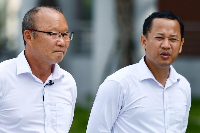 Tong thu ky VFF: 'Nghi lam tro ly cho HLV Park la quyen cua ong Khoa' hinh anh