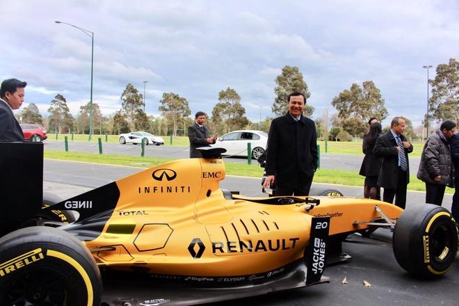Nguyen dai su VN tai Australia: 'Mo duong dua F1 se nang tam quoc gia' hinh anh