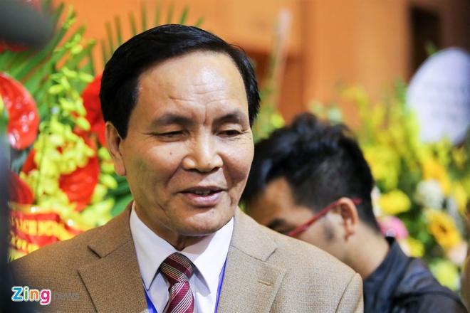 Bong da Viet Nam,  Can Van Nghia,  tai tro bong da,  Pho chu tich phu trach tai chinh anh 2