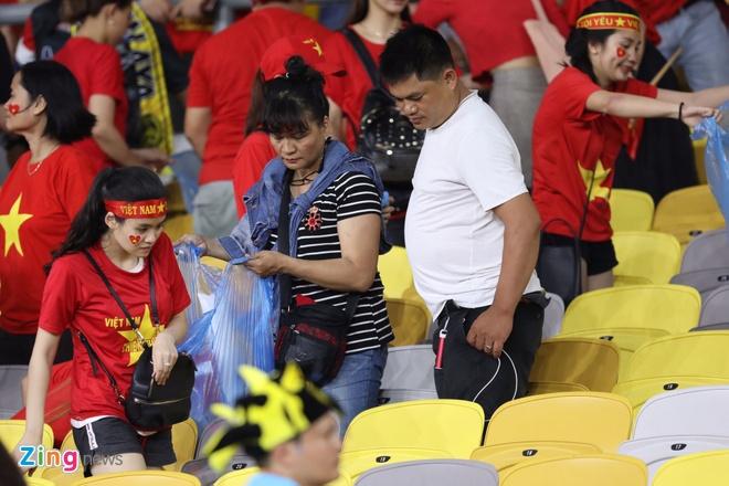 CDV Viet Nam don rac o san Bukit Jalil sau chung ket luot di AFF Cup hinh anh 5