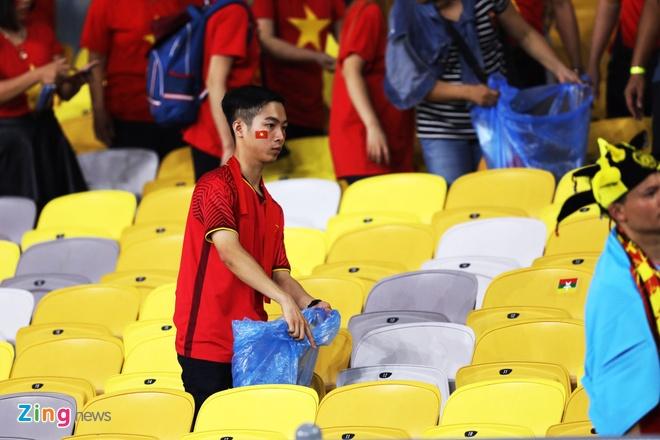 CDV Viet Nam don rac o san Bukit Jalil sau chung ket luot di AFF Cup hinh anh 1