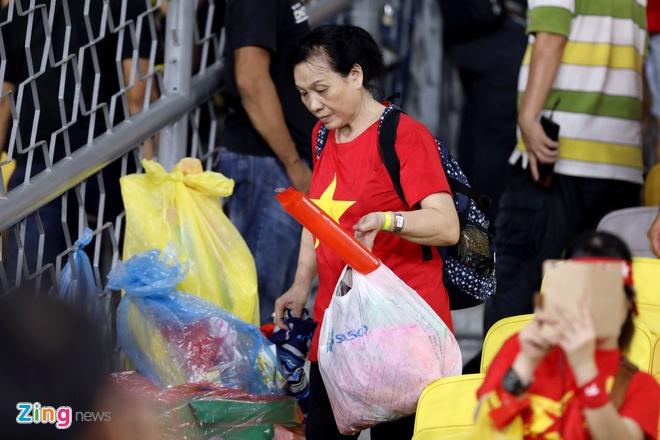 CDV Viet Nam don rac o san Bukit Jalil sau chung ket luot di AFF Cup hinh anh 6