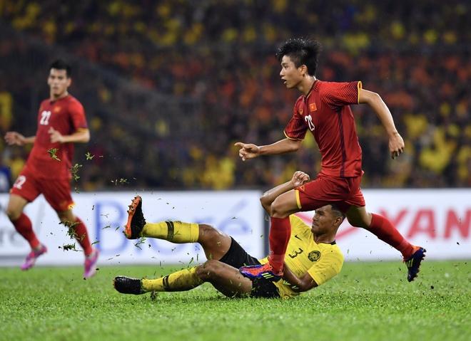 Phan Van Duc - tien dao ghi diem o AFF Cup nho qua trinh kho luyen hinh anh