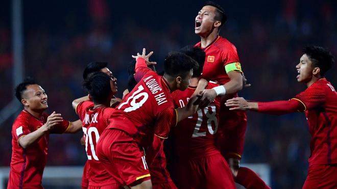 BLV Anh Ngoc: 'Chuc vo dich AFF Cup la khoi dau cho trang su moi' hinh anh