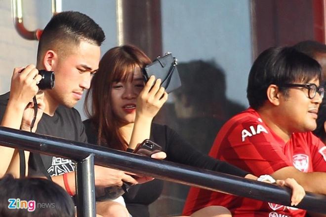 Yen Xuan cung Viet kieu tre co vu Van Lam truoc them King's Cup hinh anh 1