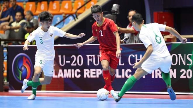 Viet Nam thua Indonesia tai giai futsal U20 chau A anh 1