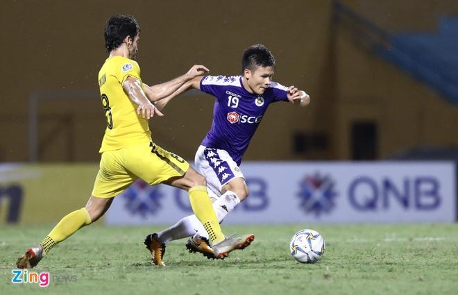 HLV Ceres Nagros: 'Cau thu Ha Noi FC phai hoan thien them de choi o chau Au' anh 1