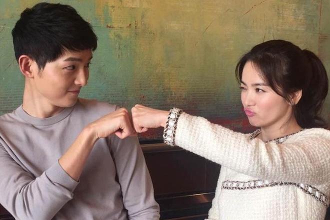 Cap Song Hye Kyo - Song Joong Ki tung la VDV truot bang hinh anh 1
