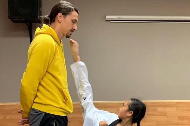 Zlatan Ibrahimovic binh tinh doi mat cu da tu 'taekwondo kid' hinh anh