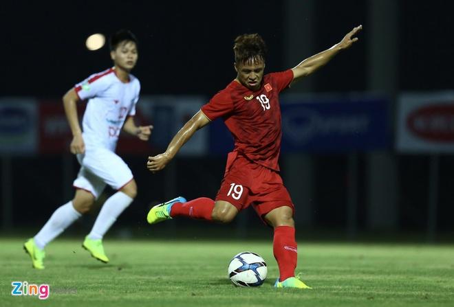 Sao tre U23 Viet Nam hanh phuc khi mac lai so ao cua Quang Hai hinh anh 1