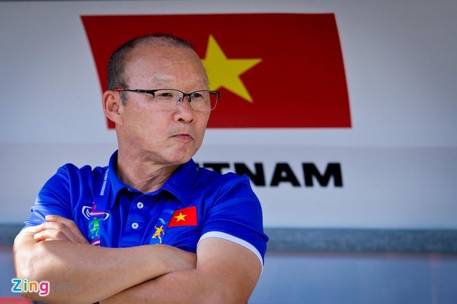 Van Quyet ung ho thay Park va Quang Hai gianh giai tai AFF Awards hinh anh 1