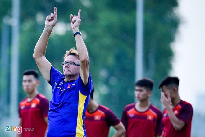 VFF dat muc tieu U23 Viet Nam vao top 3 o vong chung ket chau A 2020 hinh anh 2 Philippe_Troussier_3_zing.jpg