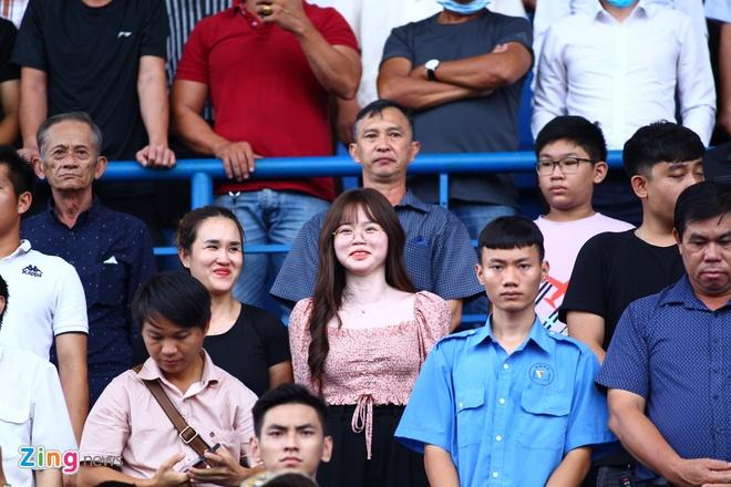 Quang Hai rach tran truoc su chung kien cua ban gai o Binh Duong anh 2
