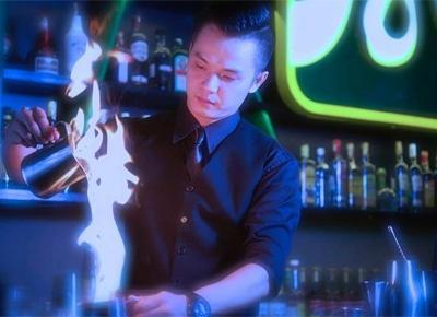 Thoi co cuc cua nha vo dich bartender hinh anh