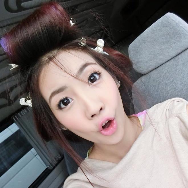Hot girl Thai Lan xinh xan, nhay dep hinh anh 6 Đôi mắt lí lắc và những hành động tinh nghịch làm tăng them vẻ đáng yêu không thể cưỡng nổi của cô gái cá tính. Ảnh: Facebook NV.