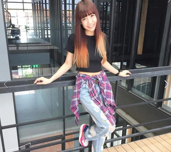 Hot girl Thai Lan xinh xan, nhay dep hinh anh 3 Sinh năm 1994, Lita theo phong cách thể thao. Streetstyle của cô thường xuyên là quần jeans, áo phông hoặc sơ mi đơn giản mà năng động. Ảnh: Gamme.