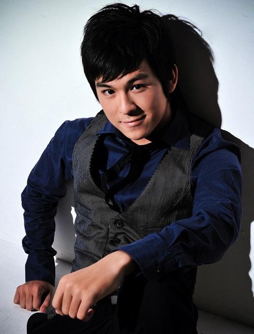 Ngay ay - bay gio cua 5 hot boy noi danh mot thoi hinh anh 3 Vào năm 2008 – 2009 Thiên Minh là hot boy nổi bật tại khu vực phía Nam.  Với khuôn mặt thư sinh, nụ cười hiền lành, chàng trai này từng trở thành thần tượng của nhiều bạn trẻ.