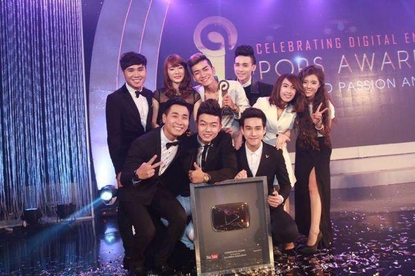 Nhung ban tre Viet nhan nut Play danh gia tu YouTube hinh anh 3
