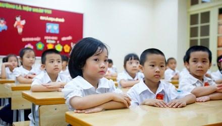 Thu truong GD&DT: Se khong thua - thieu giao vien hinh anh 1 Có ý kiến đề xuất, nếu lớp học đông nên bố trí 2 giáo viên/lớp (trong ảnh là học sinh Trường Tiểu học Trần Quốc Toản, Hoàn Kiếm, Hà Nội). Ảnh: Ngọc Châu