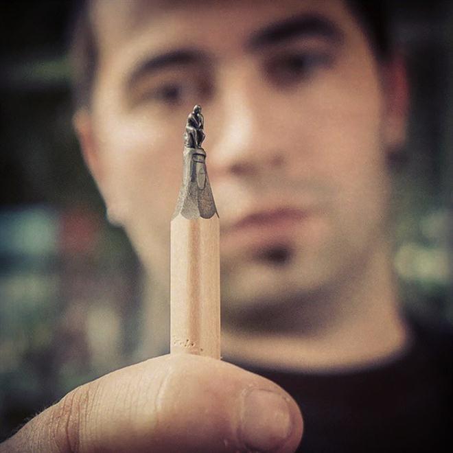 Năm 2007, anh tạo ra con thuyền nhỏ nhất thế giới bằng giấy với kích thước  1,2x 1,0 x 0,7 mm nhưng không được công nhận kỷ lục Guiness vì chưa có ...