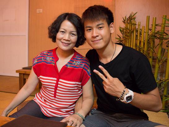 Phan Nguyen tung tram cam, hai lan suyt chet sau khi bo mat hinh anh