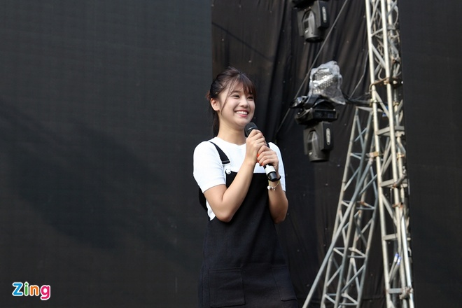 Mot ngay tro ve Ha Noi cua hot girl Hoang Yen Chibi hinh anh 1