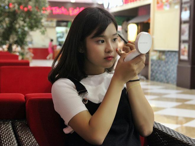 Mot ngay tro ve Ha Noi cua hot girl Hoang Yen Chibi hinh anh