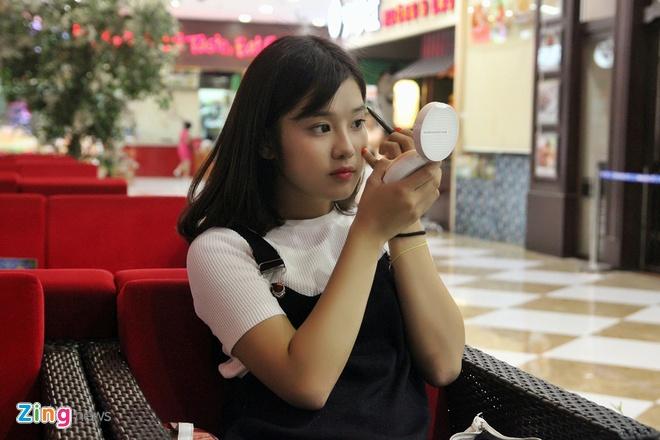 Mot ngay tro ve Ha Noi cua hot girl Hoang Yen Chibi hinh anh 6