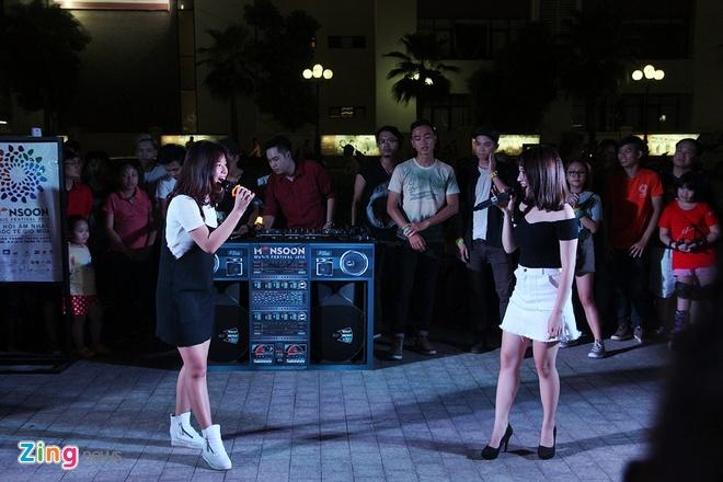 Mot ngay tro ve Ha Noi cua hot girl Hoang Yen Chibi hinh anh 7