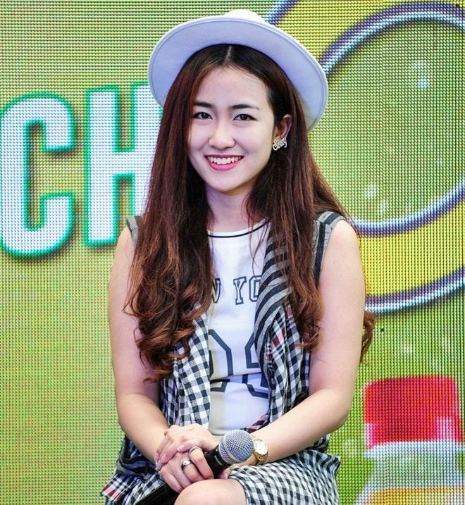 DJ Trang Moon lot top nhan vat duoc tim kiem nhieu nhat 2015 hinh anh 2
