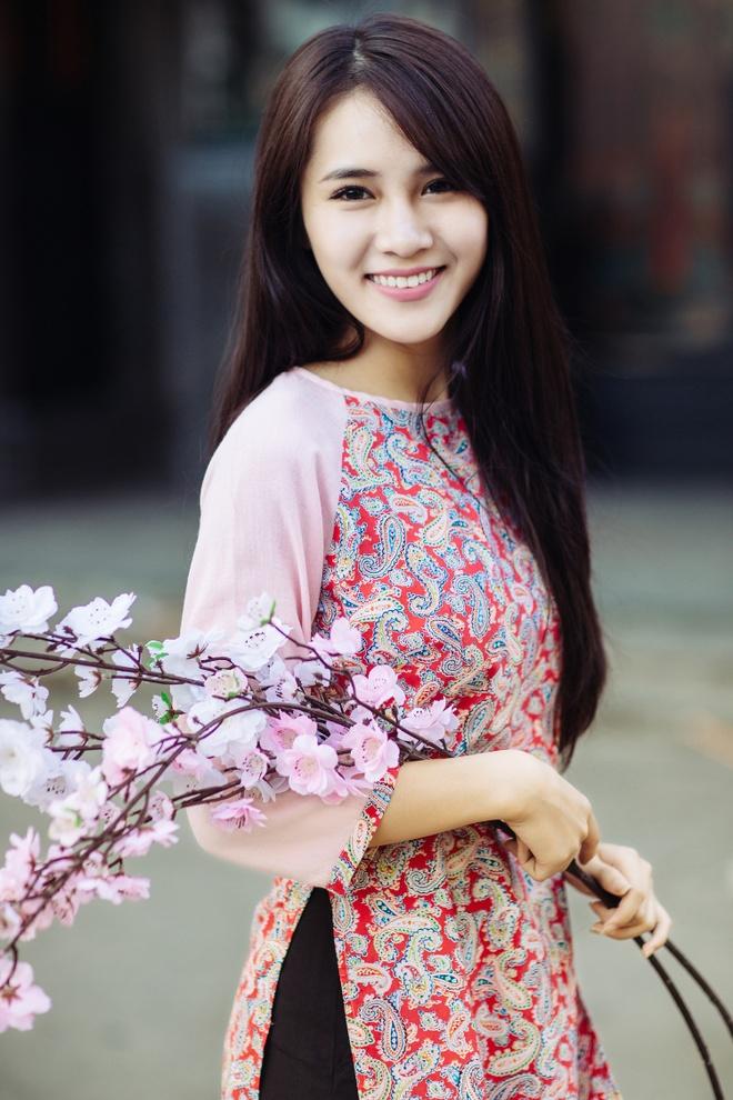 Hot girl Van Shi quyet tam tro thanh ca si trong nam 2016 hinh anh 6