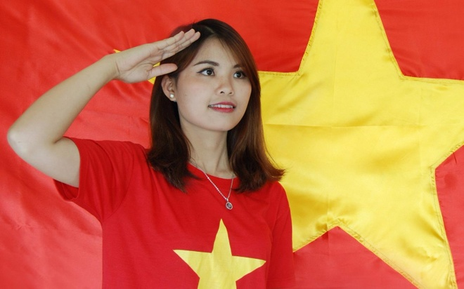Gioi tre Ha thanh hao huc chup anh mien phi voi co To quoc hinh anh