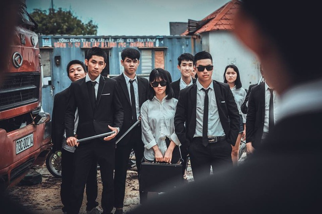 Teen Quang Binh chup ky yeu phien ban 'ong trum' hinh anh 2