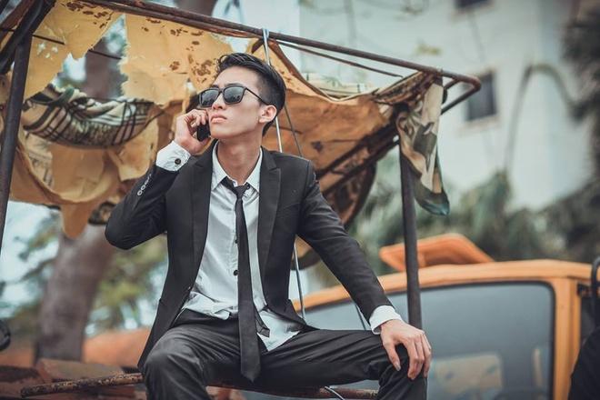 Teen Quang Binh chup ky yeu phien ban 'ong trum' hinh anh 5
