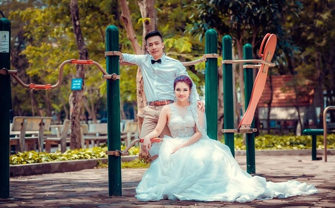 Cap 9X chup anh cuoi phong cach the duc duong pho hinh anh 5