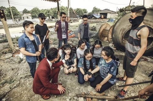 Teen Ninh Binh chup ky yeu 'Anh hung cuu my nhan' hinh anh 1