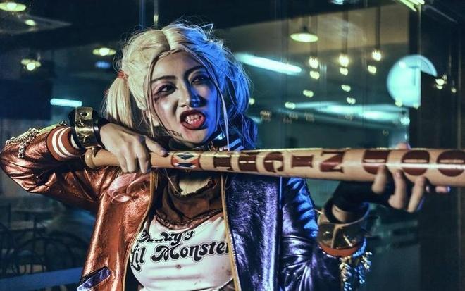 Nu sinh Sai Gon bi nem da khi hoa trang thanh Harley Quinn hinh anh