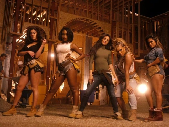 Camila Cabello khoe giong trong hit 'Work From Home' hinh anh