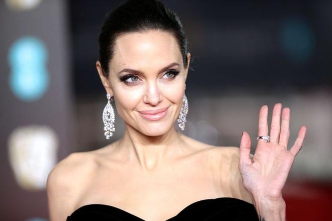 Angelina Jolie dan dau danh sach phu nu duoc nguong mo nhat the gioi hinh anh