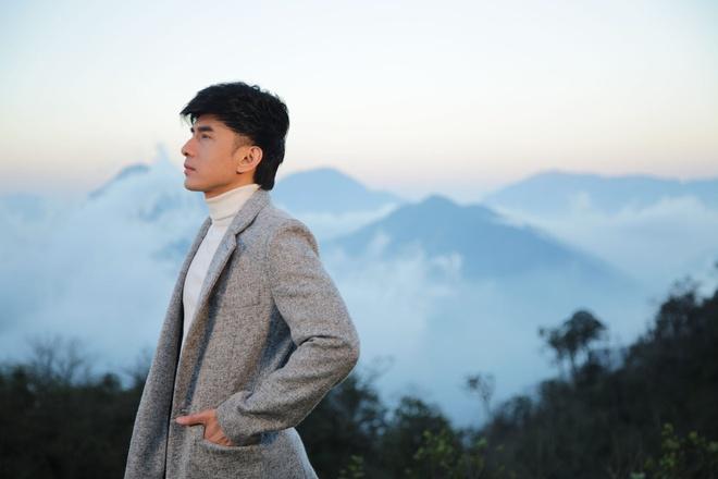 Fan khen Dan Truong dien trai, khong co dau hieu tuoi tac trong MV moi hinh anh 1