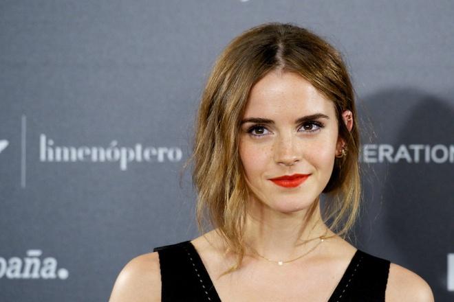 Emma Watson, Kelly Clarkson tung bi ga gam gia nhap giao phai tinh duc hinh anh