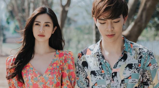 Jun Vu ngai ngung khi hon Erik trong MV 'Cham day noi dau' hinh anh