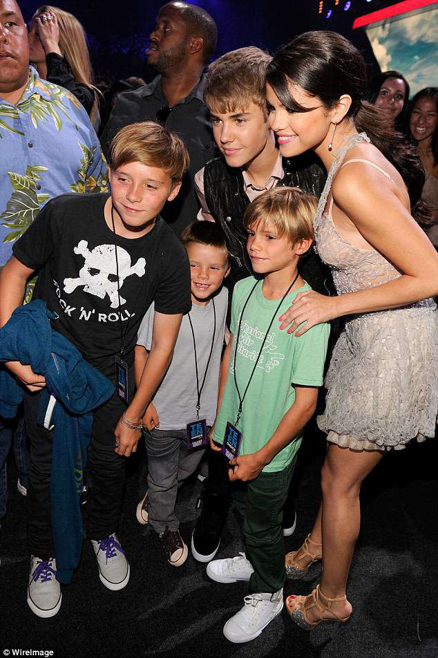 Giong hat cua con trai Beckham duoc so sanh voi Justin Bieber hinh anh 2