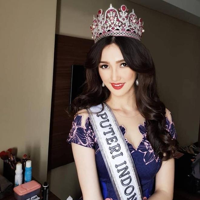 Hoa hau Hoan vu Indonesia 2018 co ve dep giong ca si Bich Phuong hinh anh 8