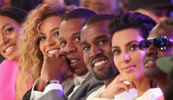 Fan phan doi vi Kim Kardashian sao chep phong cach cua Beyonce hinh anh 2