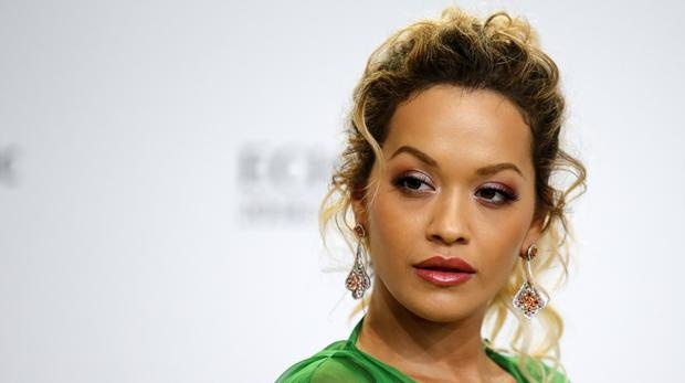 Rita Ora bi to xem thuong cong dong LGBT trong ca khuc moi hinh anh