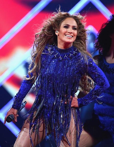 Trang phuc bieu dien goi cam cua Jennifer Lopez 4 nam qua hinh anh 3