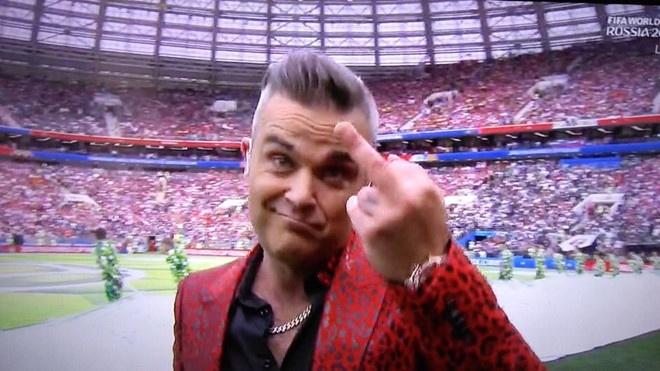 Nha dai xin loi vi man 'ngon tay thoi' cua Robbie Williams hinh anh 1