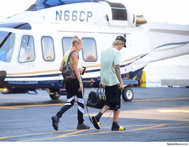 Justin Bieber ve ra mat gia dinh ban gai Hailey Baldwin hinh anh 2