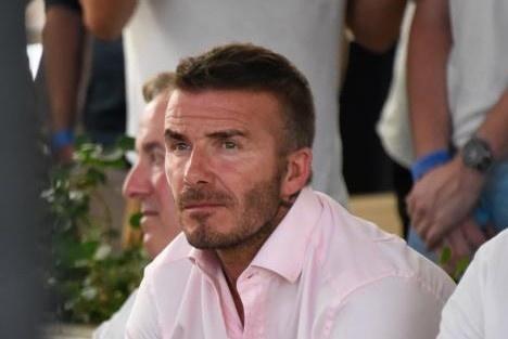 David Beckham buon ba truoc that bai cua tuyen Anh voi Croatia hinh anh